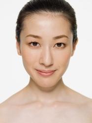脸型 调整/然后按照两侧下颌智齿处向内减少1mm,PS瘦脸后对比如下:
