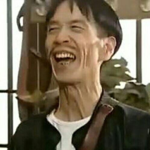 让我想起了他,他曾演《地下交通站》里的贾贵,因演的太像被观众打.
