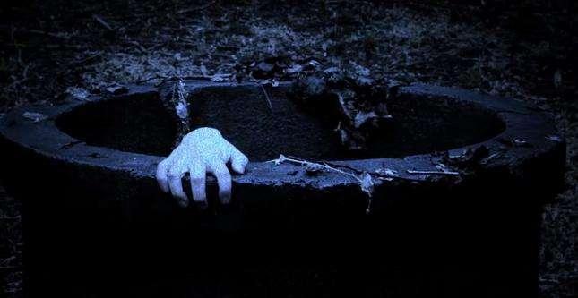 梦见在井边打水很害怕