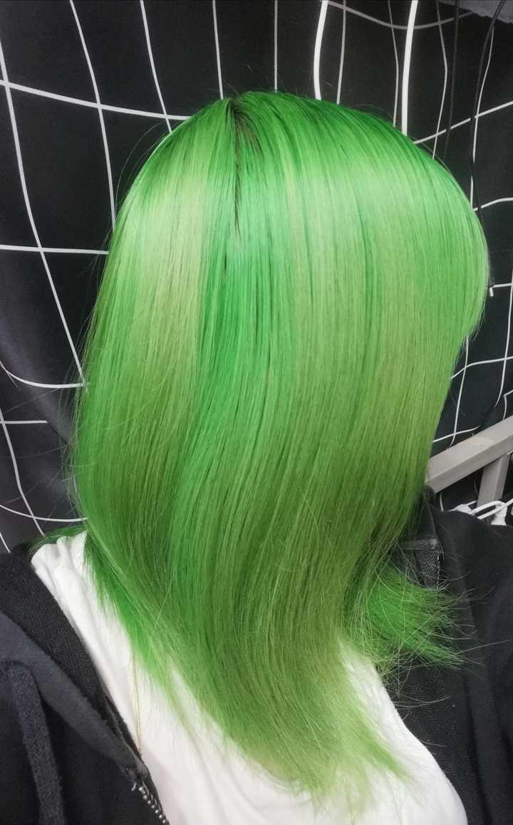 29)又绿回来了(理发师吹头发时候一直说:你又绿了  你又绿了)