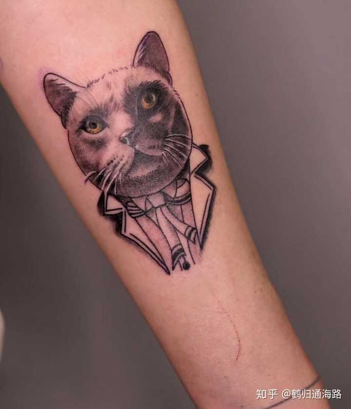 纹的我家猫,女朋友纹的我家狗,喜欢很多好看的纹身图,但是觉得还是有图片