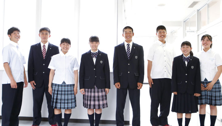 日本校服和动漫里一样吗?有什么特点?