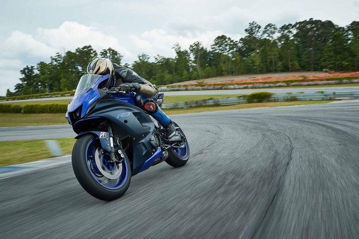 外媒评测|2022 Yamaha YZF-R7
