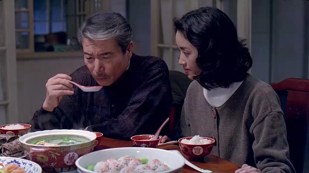 饮食男女电影观后感_结合刚刚写完的《饮食男女》的影评来谈谈这个问题.
