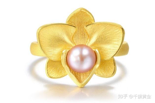 """杜鹃花代表着爱的喜悦,其花语是""""永远属于你""""."""