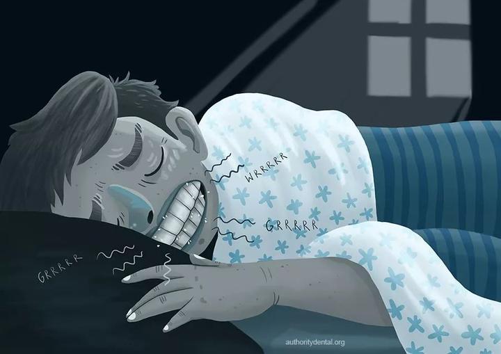 睡觉磨牙咋回事_睡觉时磨牙,要不要紧?