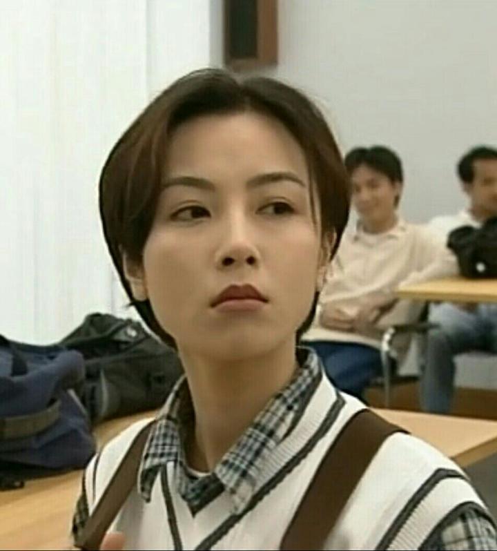 如何打造一个九十年代的香港女明星发型?图片