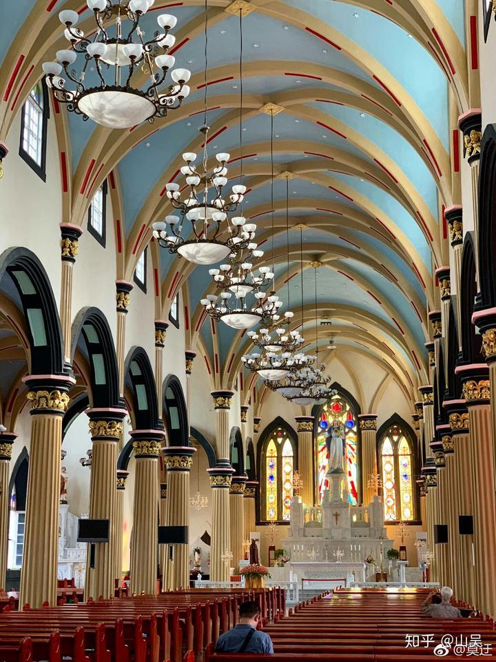 福州泛船浦天主教堂,哥特式建筑,有二十多米高的钟楼,近三米高的十字图片