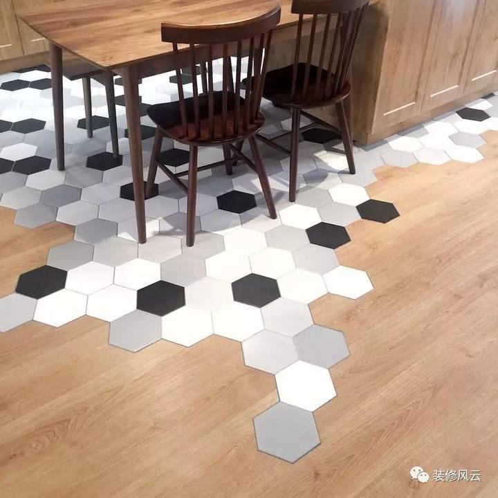 地板「碰瓷」,搞定客厅和开放式厨房地砖衔接