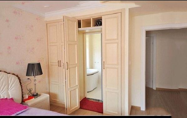 安装卧室衣柜隐藏卫生间门的方法介绍图片