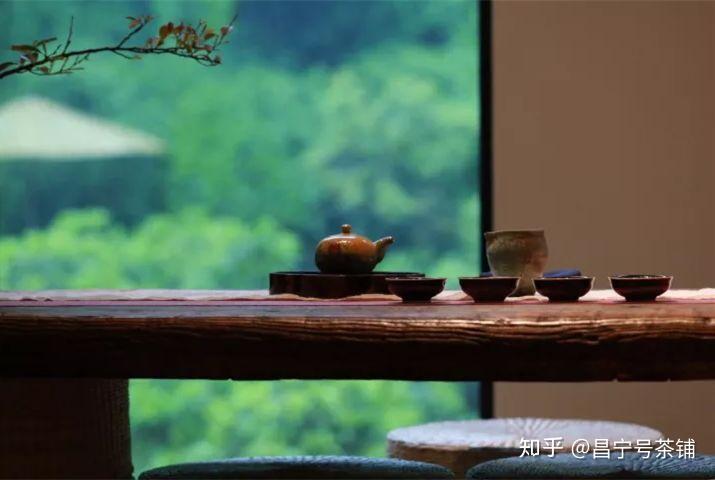 茶席设计,是以茶为灵魂,以茶具为主体,在特定的空间形态里完成的,有图片