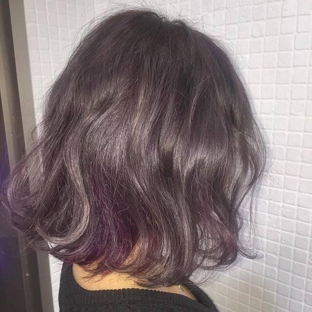 现在是短发的话建议烫个水波纹类似这种图片