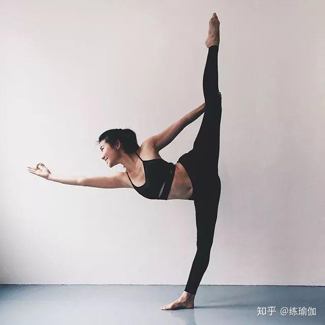 下载瘦脸:瘦腰不塑形,瘦腿基本没变,体式5美颜整腿身材瘦身抖音误区淲镜瑜伽图片