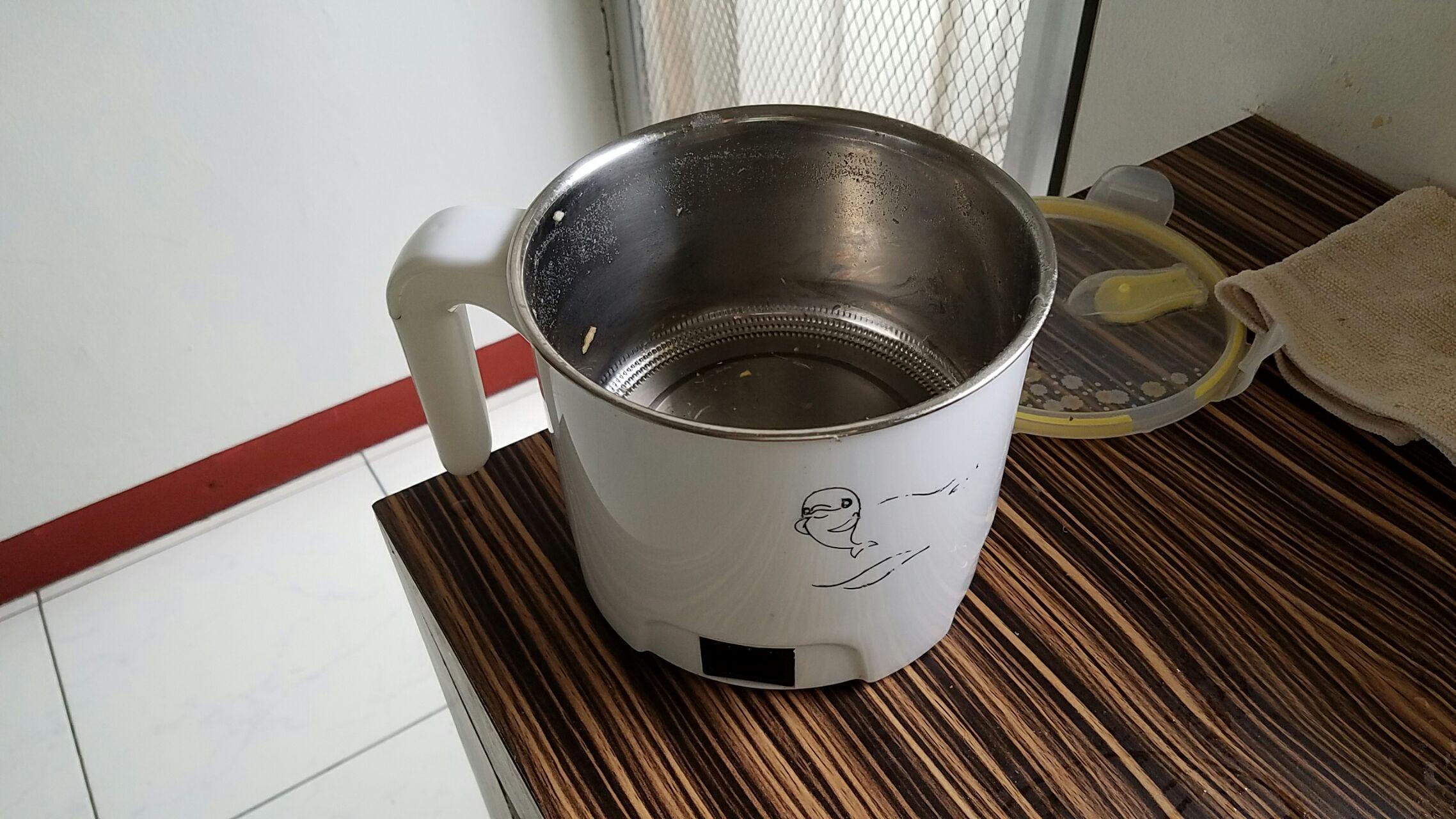 在容量一个小条件电锅的美食下做出相对美a容量只有空间图片