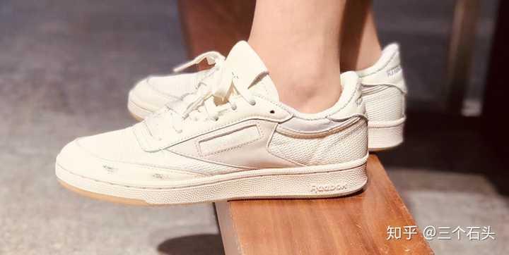 有哪些颜值很高的女生板鞋&球鞋?