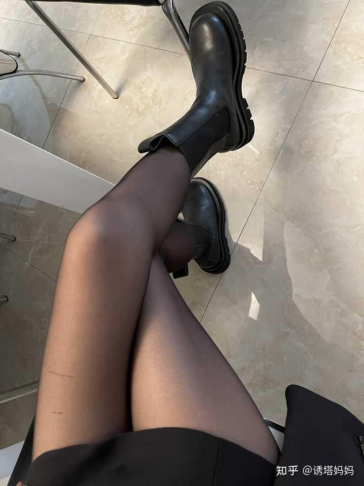 油光丝袜黑丝肉色女生更偏爱哪种?6