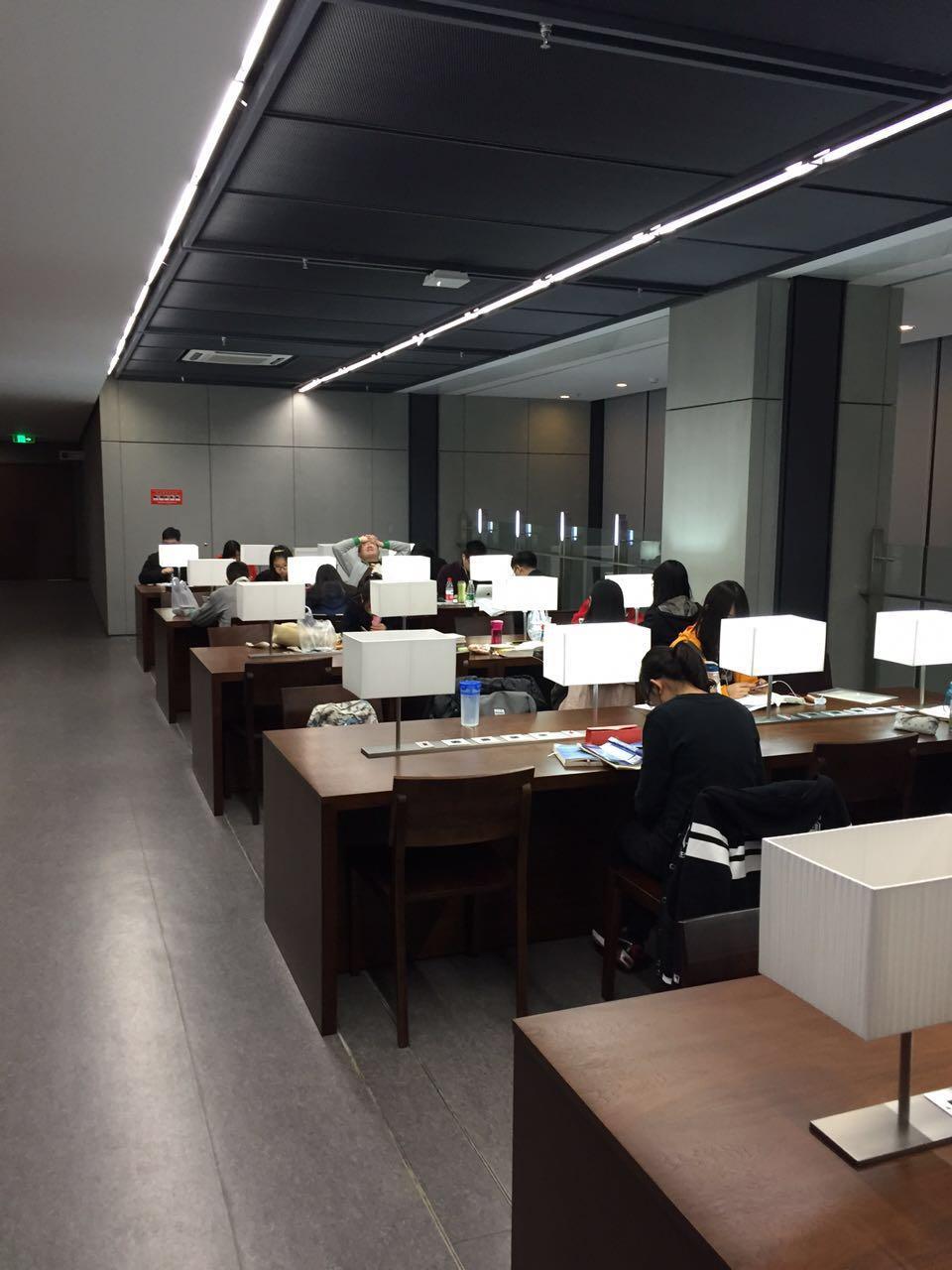 累的图片_使用中央财经大学沙河校区新图书馆是怎样的体验? - 知乎