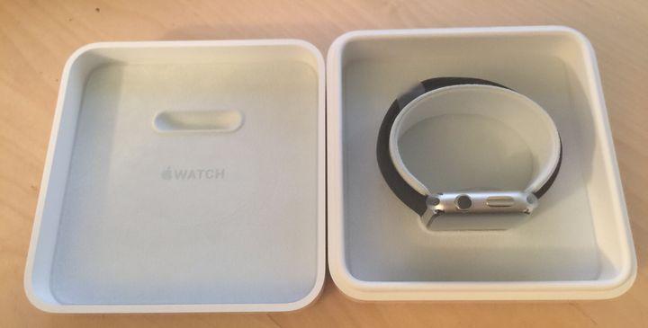 不同地区版本的 iPhone 和 Apple Watch 应该如何选择?