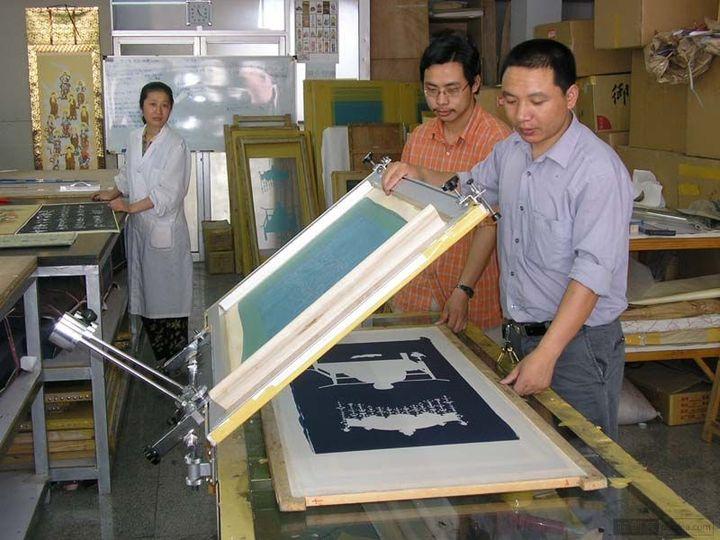 为什么班服定制印刷很多是丝网印呢