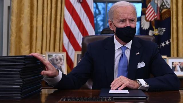 坐进了白宫的椭圆办公室,开启了属于自己的时代