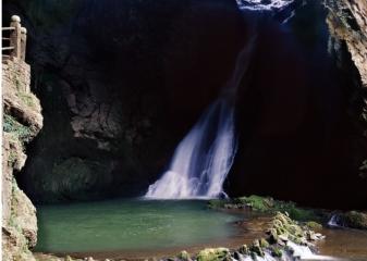 黄果树瀑布在贵州哪里个省哪个市(黄果树瀑布有什么好看的呢)
