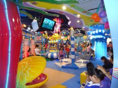 在二三线城市的商场开儿童乐园需要多少钱? 加盟资讯 游乐设备第1张