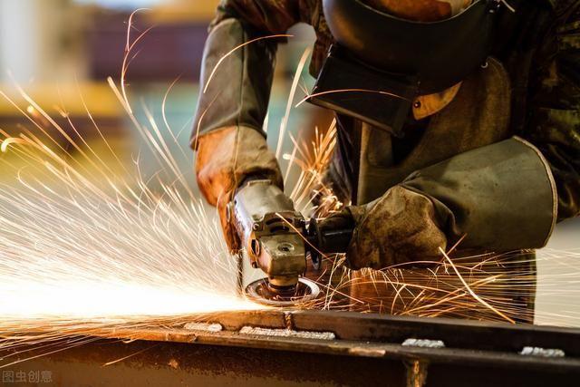 进厂就是流水线型的工作,也只是招年轻人,中年人怎么办?