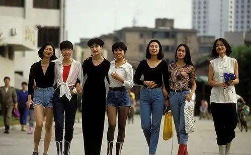 是谁在侮辱中国女孩的「性感」审美?10