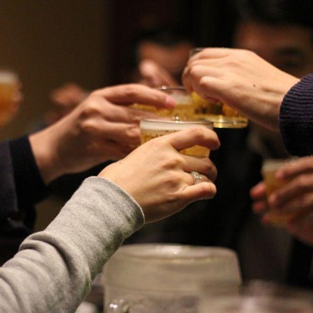 喝酒_酒场上最不能喝的是哪种人?拿 4 种人设告诉你