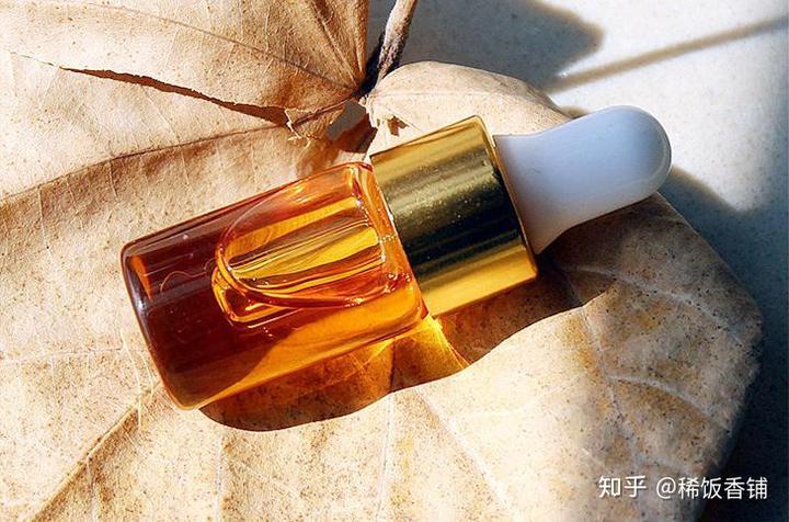 ahc化妆品精油的使用方法 茶树精油的使用方法