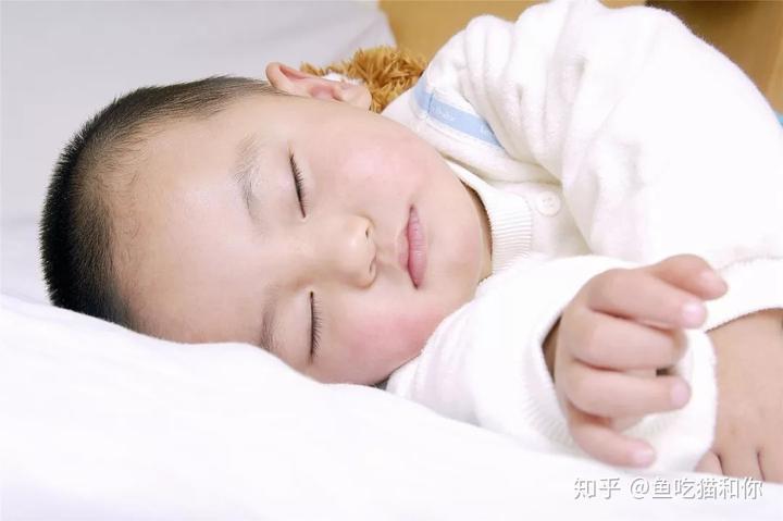 宝宝多大可以剪手指甲图片