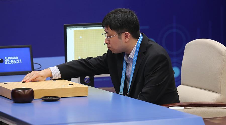 我是黄士杰,AlphaGo人肉臂