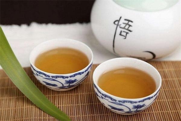 茶水与蜂蜜的作用?蜂蜜泡沫茶的影响?