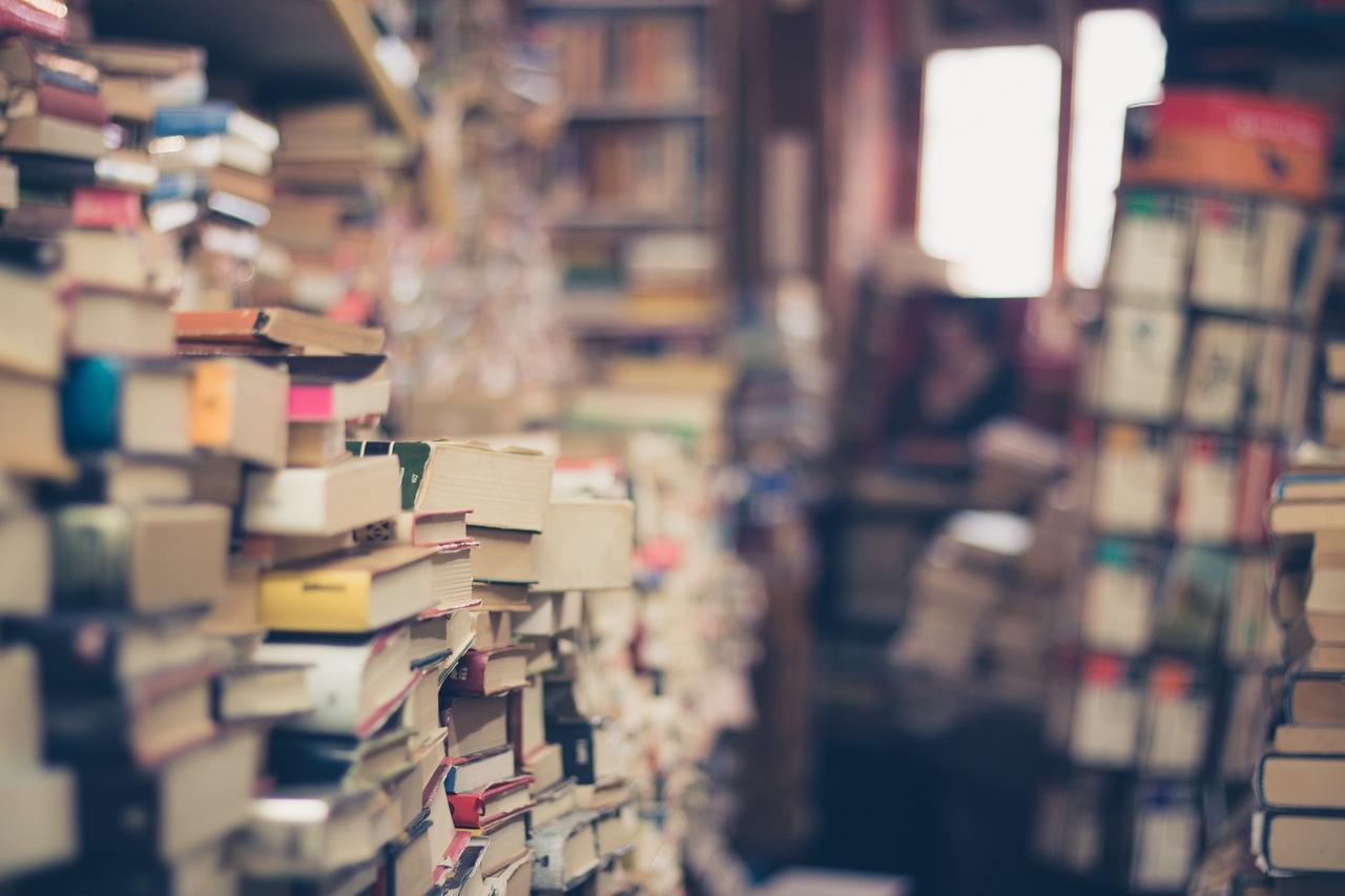 如果你愿意共享你的藏书,这10000本书将免费送给你