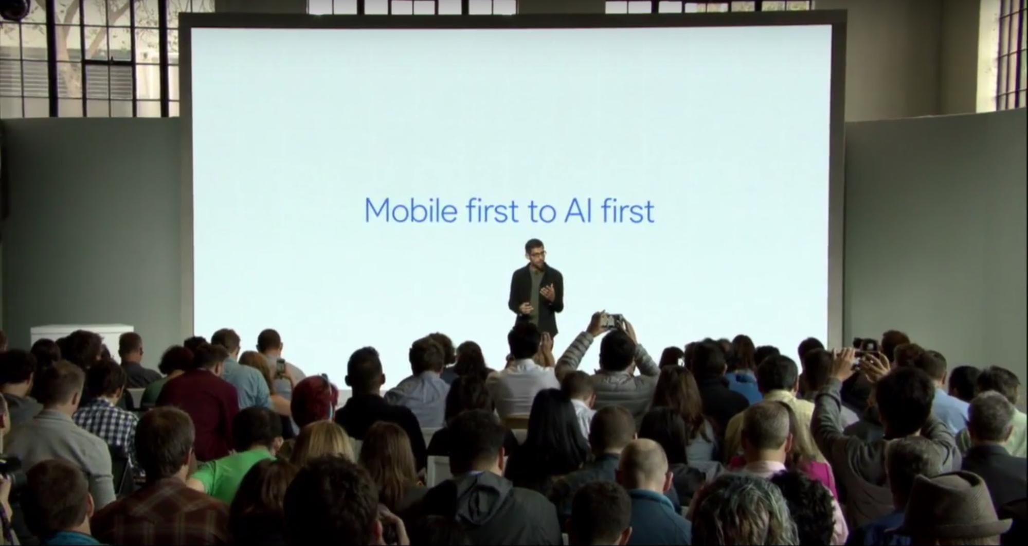 Google秋季新品发布会,带领人类从移动时代进入AI时代,并揶揄了苹果7次