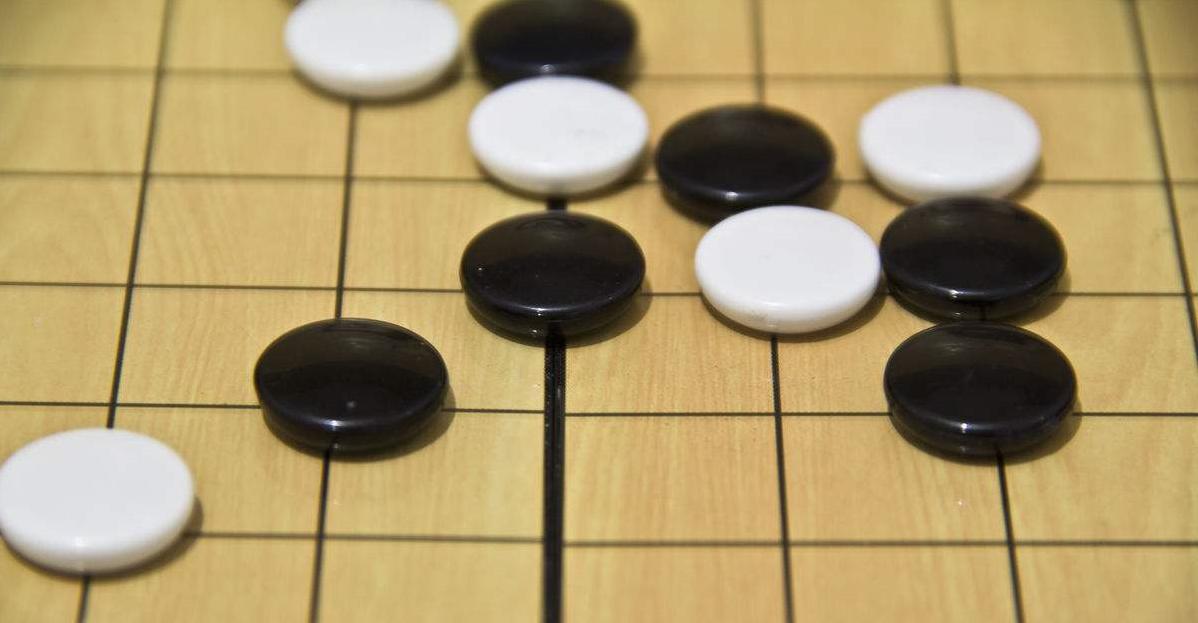 AlphaZero实战:从零学下五子棋(附代码)