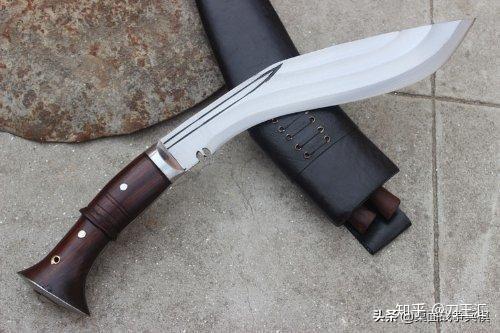 军用狗腿刀_最锋利的冷兵器盘点:中国刺刀独一无可,可以捕鲸的匕首 - 知乎