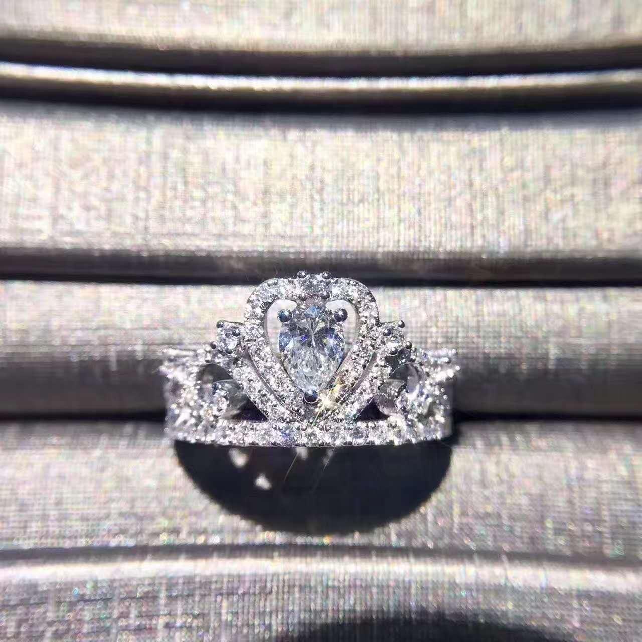 钻石  锆石  莫桑石  立方氧化锆  苦难四兄弟