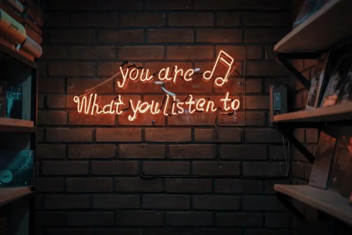 被神曲改变的音乐产业:谁在疯狂写歌,谁在豪赌营销