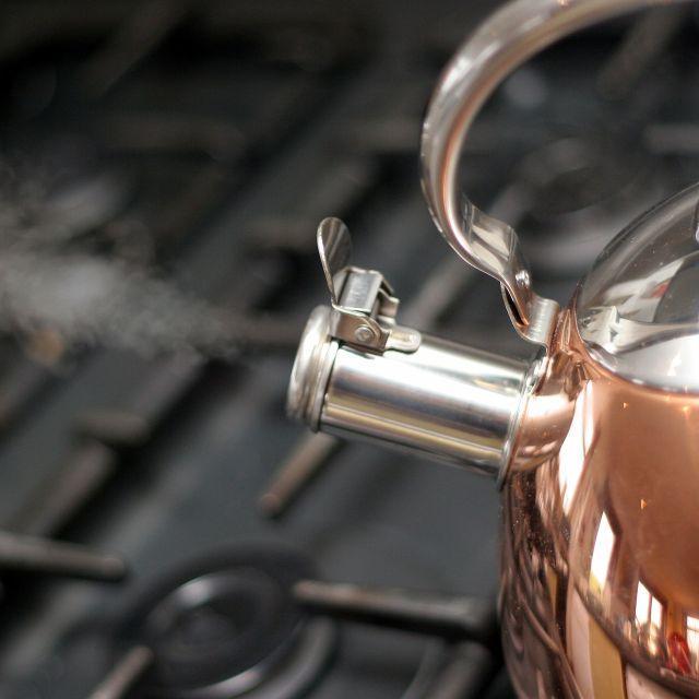 水反复烧开会产生有毒物质吗?「千滚水」能不能喝?