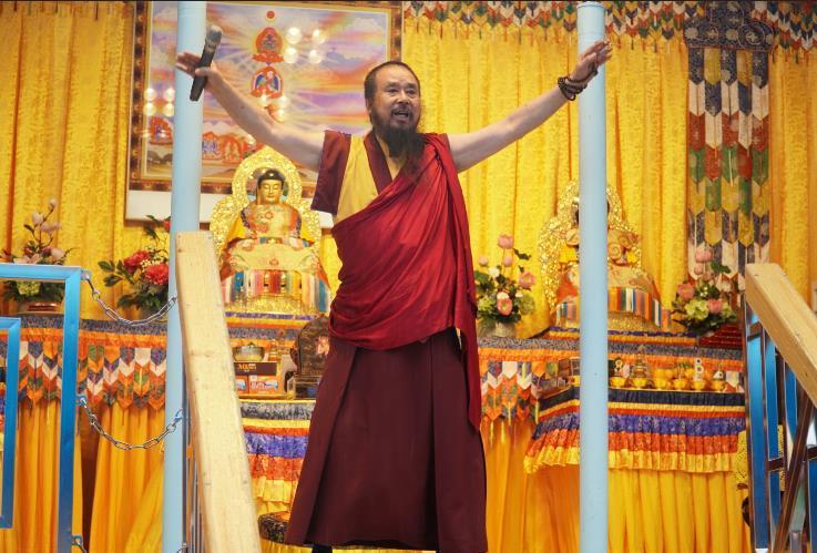 世界佛教正心會行動佛殿桃園龜山祈福