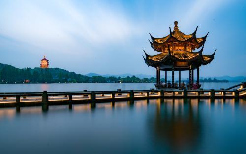 就去抱_杭州旅游攻略:杭州旅游必去的十大景点 - 知乎