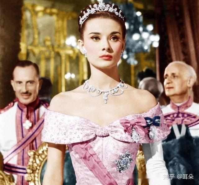 电影美女爱上我_《罗马假日》 因为这部电影爱上她.