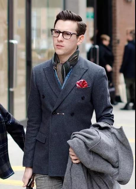 正装皮鞋款式_男士穿正装西装礼仪与忌讳90%的人没做到 - 知乎