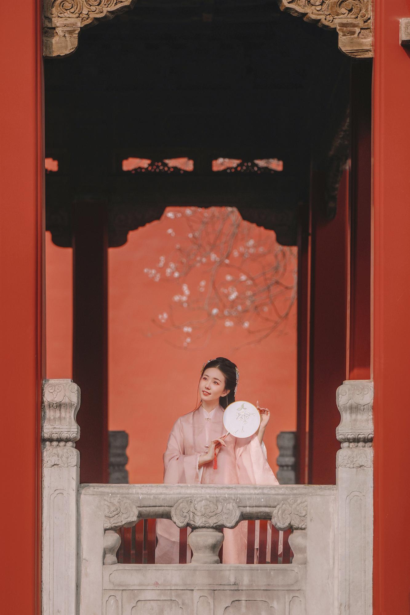 你见过最美的传统汉服照是什么样的?